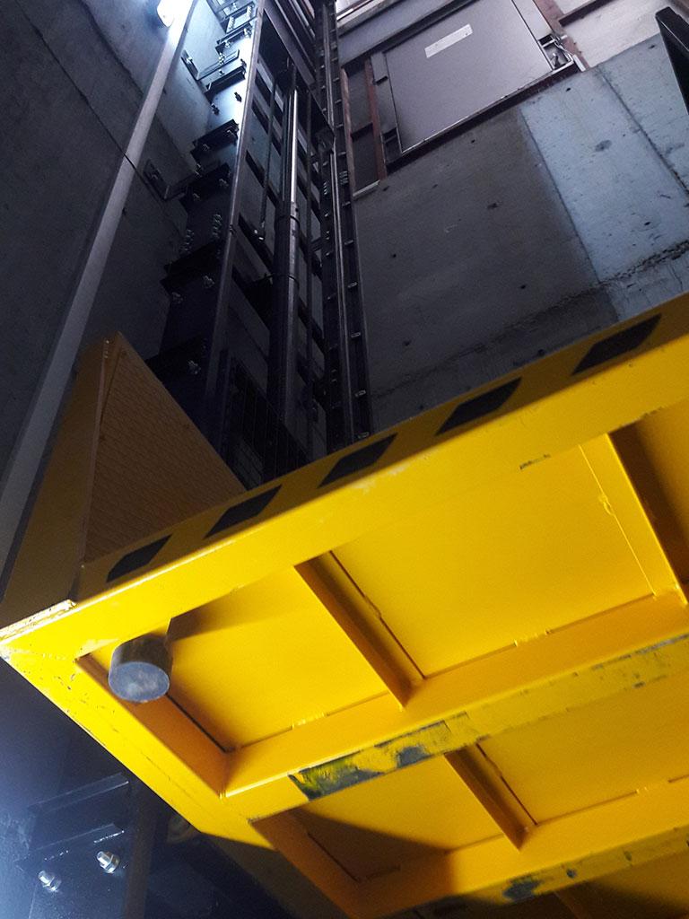 Yigit-Hidrolik-Kompakt-Yuk-Lifti-08